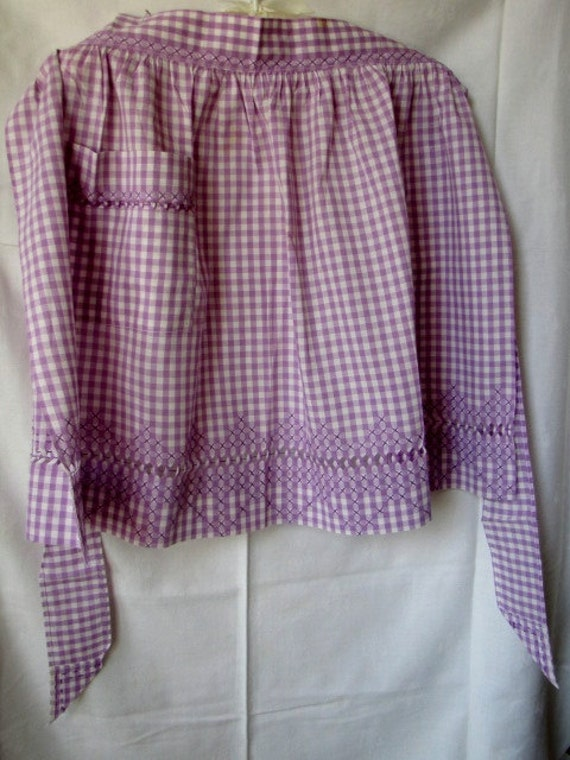 Vintage Gingham Purple Apron Drawn Thread Embroidered Cross Stitch