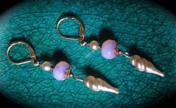Vintage Seashell Earrings pale pink glass pearl