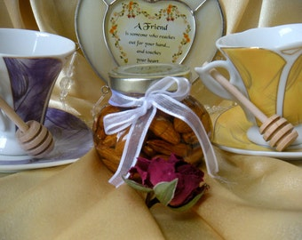 Edible Christmas Gift - Almonds In Honey