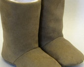 Tan suede and fleece boots, soft sole