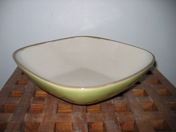 Winfield Serving Bowl.   9 inch.  Cream & Chartreuse colors.  Hollywood Regency,  Mid century modern, Danish Modern, Eames era.1950's.