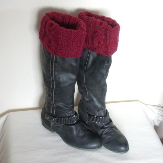 Leg warmers knitted or boot cuffs with cables (xoxo pattern) in Mulberry red