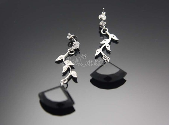 FIRESALE)  A02-Luxurious Leaves Post Earrings with ONYX and CZ