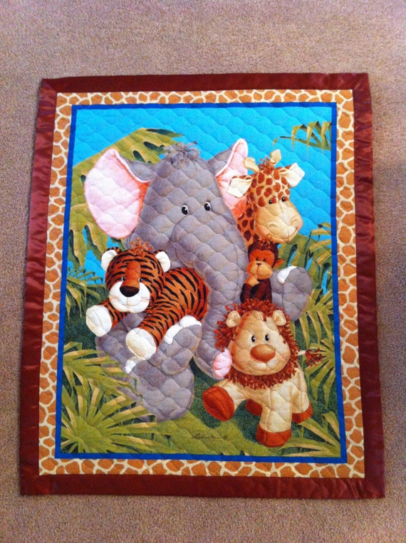 Baby Blanket. Animals print blanket. Baby-boy quilt. Made to order. Personalized blanket. Reserved for Taryn.