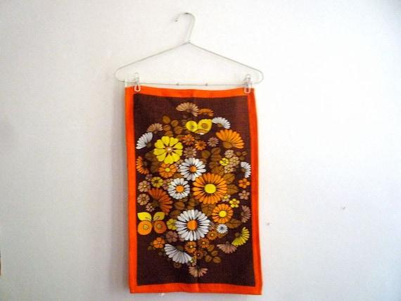 Vintage Malimo Tea Towel with Seventies Flowered Pattern 2
