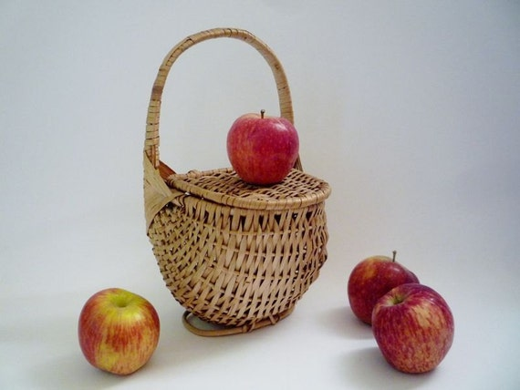 Vintage Wicker Basket with Lid