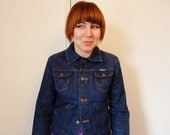 Vintage 1970s Wrangler denim jacket, slim fit, small woman's/girl's size, indigo blue, very cool