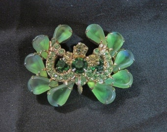 Delizza & Elster Frosted Green Peridot Tiered  Wreath Brooch 1960's