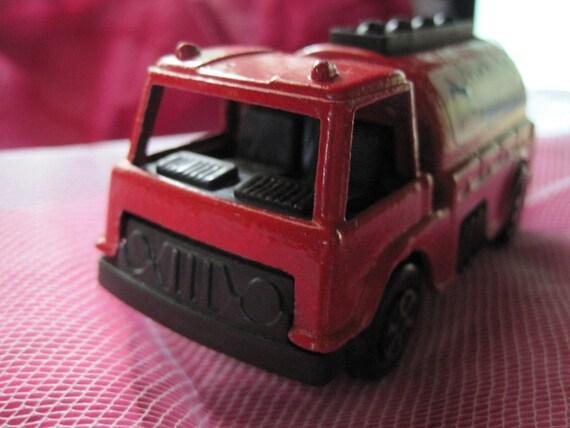Vintage 1970 Tootsie Toy Die Cast Metal Chemical Extiguisher Truck