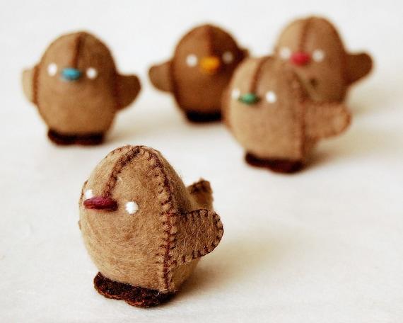 Felted Beige Baby Chicken Toy -- Ecofriendly Handmade Pure Wool soft animal sculpture -- BABY SHOWER GIFT