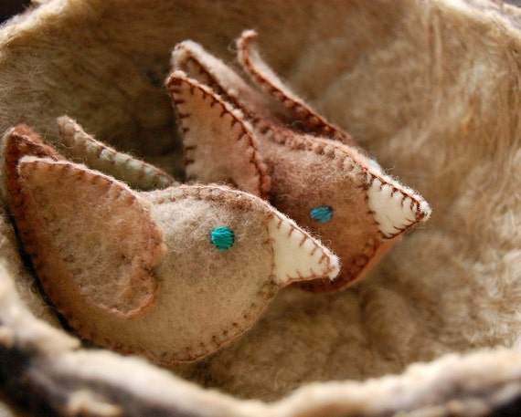 Felt LOVE BIRDS Beige White Turquoise Pure Wool Made in Canada ideal for wool WEDDING aniversaries