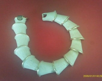 Vintage Bracelet / Empress Company. / Chunky Serpentine / White Washed Costume Jewelry
