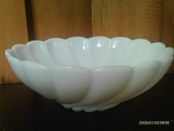 Vintage Milk Glass Bowl / Hazel Atlas Bowl / Swirl Pattern Glass Bowl