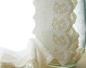 Ivory Flower Bouquet Linen Lace, 1 Yard