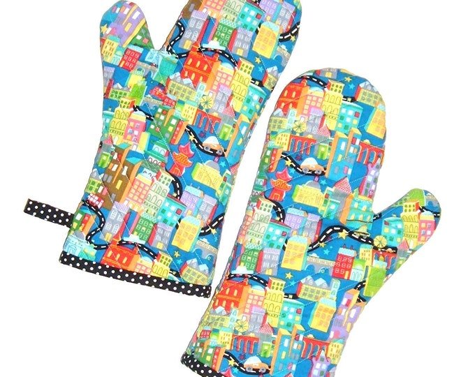 Oven Mitts Bright City Life - Pair of Oven Mitts - Gift for Foodie -Gift Under 40