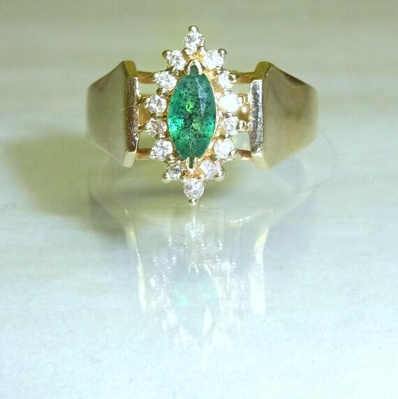 Vintage Estate 7mm Natural Emerald 14 Diamonds & 14K Gold Ring