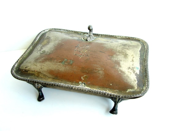 Antique Unique Metal Box with Hinged Lid, Decorative Feet, and Lion and Sword Engraving - Home decor, jewelry storage, and more