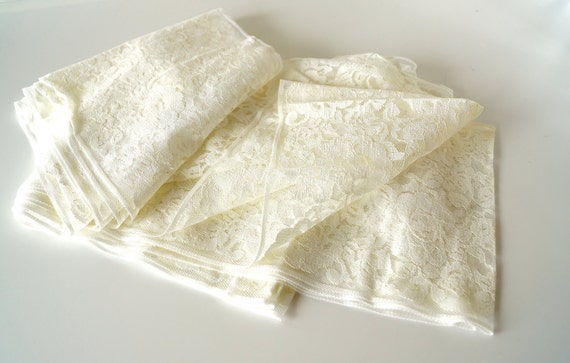 Vintage Wide Ivory / Off-White Lace (10 Yards) - Fun for gift wrapping, tags, cards and more
