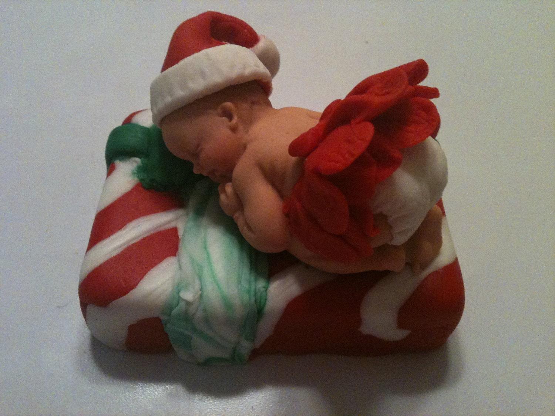 Fondant Cake For Christmas : Christmas Present Fondant baby cake topper