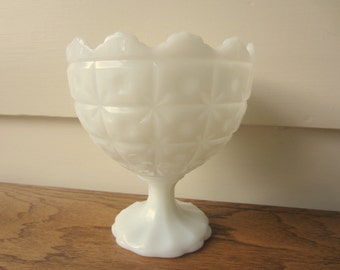 Vintage Napco snow white pedestal vase.
