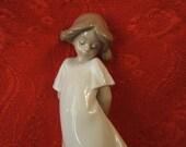 "NAO by LLADRO Handmade porcelain Figurine ""So Shy"" 1989"