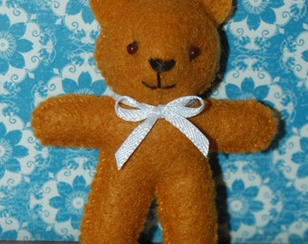Pattern - PDF - Miniature felt Bear - PIN-