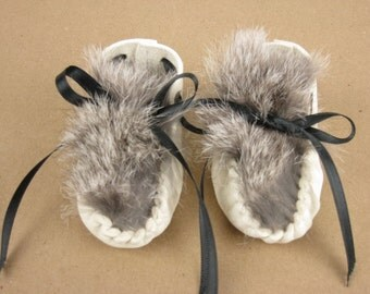Baby Moccasins, Preemie Newborn Deerskin Moc, White Toddler Leather Shoes, Gray Rabbit Fur, 1st. Birthday or Baby Shower Gift, Made in USA