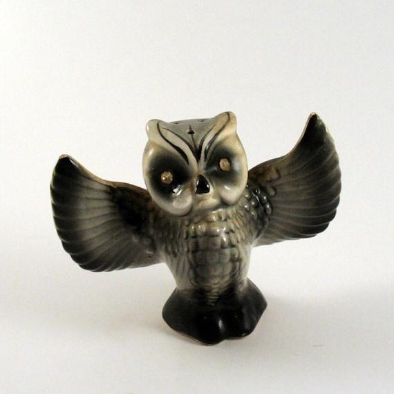 Vintage Owl Salt or Pepper Shaker