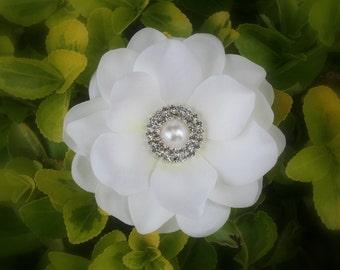 BRIDAL HAIR FLOWER in Diamond White..Cream..Pearls and Rhinestones..Gardenia Hair Flower Clip for a Bride..Hair Flower for Wedding