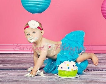 Baby Headbands..Infant Headband..White and Hot Pink..Baby Girl Headbands..White Flower on Hot Pink Headband..rhinestones..Toddler Headband