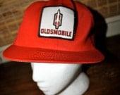 Hip OLDSMOBILE trucker hat, retro 80s red & white.  Deadstock.