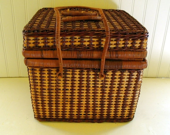 Square Two Tone Wicker Basket Vintage Sewing / By DivineOrders
