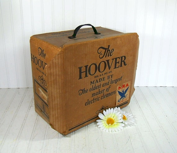 The Hoover Early Delivery Case - Vintage Salesman Tote - Classic Advertising Cloth Handled Box
