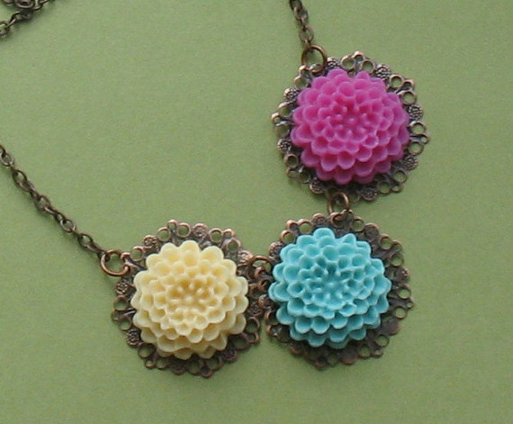 Vintage Style Three Soft Flowers Antiqued Copper Necklace - Free Shipping