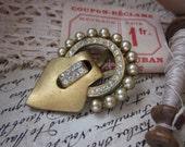 Geneva's Dream Fantastic Antique Gold And Pearl And Rhinestone Fur Clip
