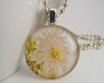 Chrysanthemum Pendant with Free Necklace
