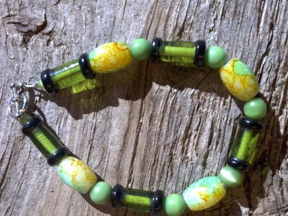 glass beaded bracelet 8 inch