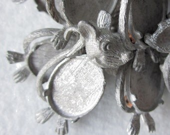 "LAST ONE piece 1 1/2"" x 3/4"" VINTAGE Raw Pewter Mouse Pin Brooch with 17mm x 12mm 4 prong inset 415"