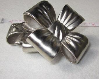 "2 pcs 2 1/4"" VINTAGE Bright Silvertone Metal BOW Pin Brooch 234"