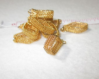 "10 pcs 5/8"" x 1/2"" VINTAGE Bright Goldtone MESH TRIANGLE Flexible Metal Finding 268"