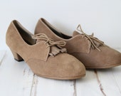ON SALE Size 10 Vintage Kiltie Laced Leather Shoes in Taupe color cute