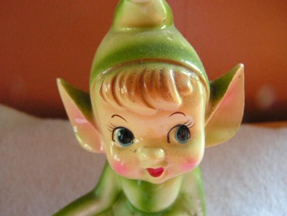 Elf figurine Sitting
