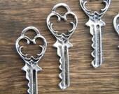 Eliot - Skeleton Keys - 6 x Antique Silver Vintage Key Vintage Skeleton Keys