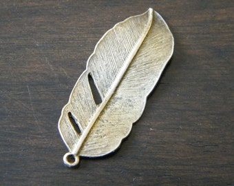 6 x Antiqued Bronze Feather Charms Natural Feather Pendants Rustic Charms