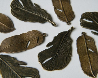 8 x Antiqued Brass Feathers Charms Bronze Natural Feather Pendants(4 of each) Feather Set Jewellery Making Charms