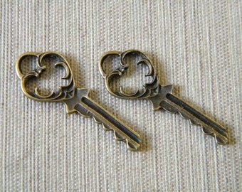 Eliot - Skeleton Keys - 10 x Antique Brass Bronze Fancy Key Vintage Skeleton Keys