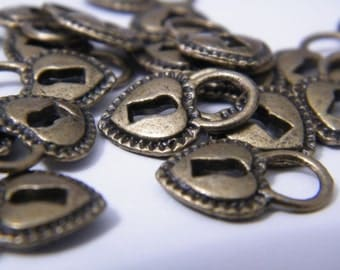 60 Antique Brass Locks Bronze Heart Lock Pendant Charms 18x12x3mm Padlock Pendants Heart Shaped Padlock DIY Jewelry Making Lock Charms