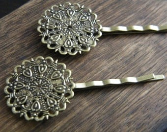 25 x Antiqued Bronze Ornate Round Hair Clips Bobby Pins Tray 25mm Diameter Length: 64mm