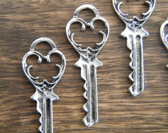 Eliot - Skeleton Keys - 6 x Antique Silver Vintage Key Vintage Skeleton Keys