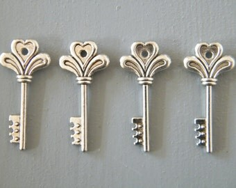 Potter - Skeleton Keys - 10 x Antique Keys Silver Tiny Vintage Skeleton Keys Key Charms